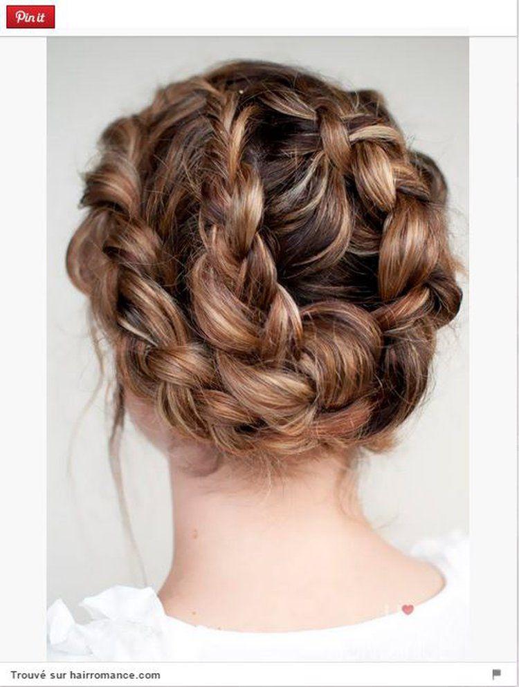 Déferlante de tresses   Idée chignon, Modèles de cheveux, Coiffure