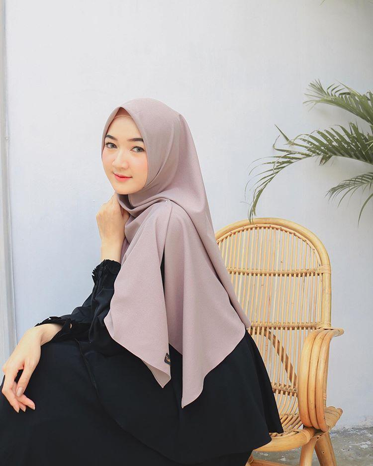 Yasmindyh Di Instagram Gamis Harian Favorit Aku Gamishijabterbaru Riskirich Simple Adem Gorgeous Flowy Cinta Pokoknya Rasanya Women Clothes Fashion