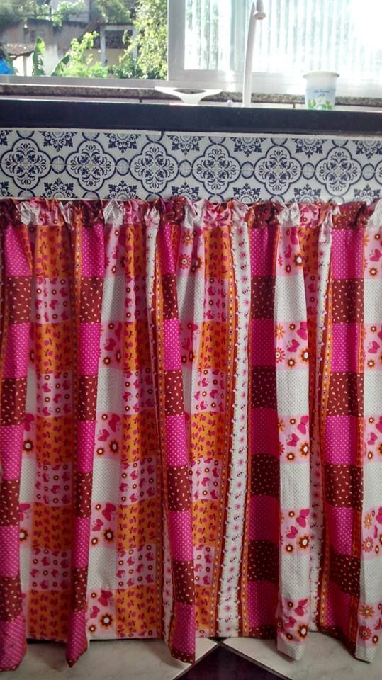 Pia da minha cozinha. cortina feita pela artesã mais caprichosa ...