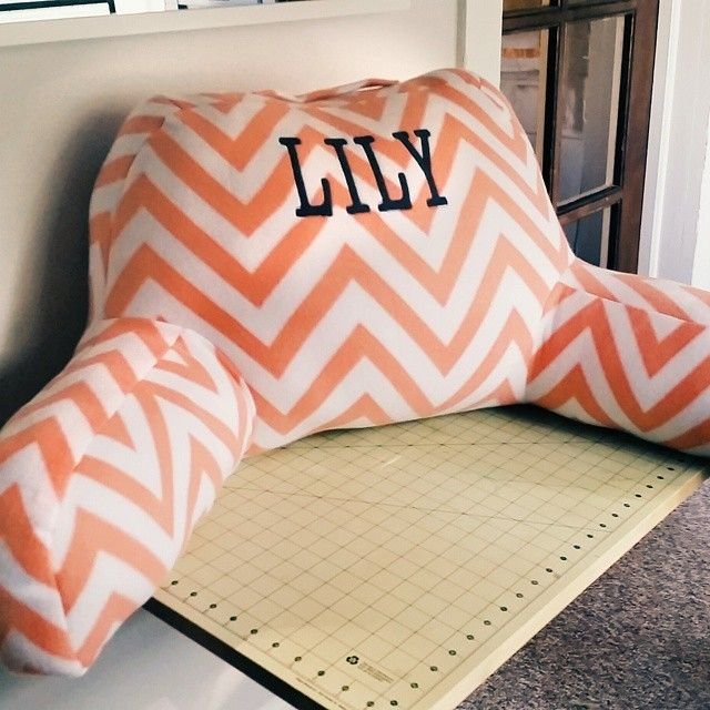 Personalized lounge pillow diy do it yourself today pinterest personalized lounge pillow diy solutioingenieria Images