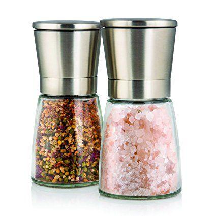 Elegante Edelstahlmühlen für Salz und Pfeffer. Die dürfen bei keinem BBQ fehlen!