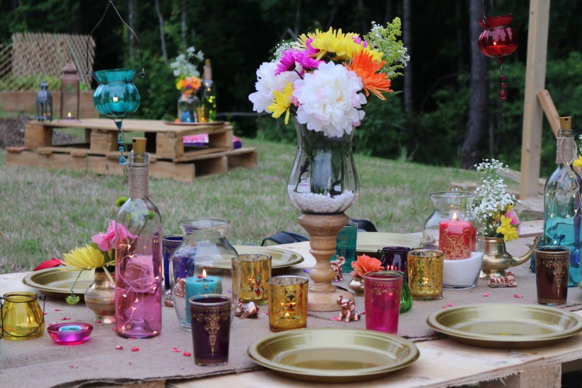 DIY pallet dining, baby shower party, Moroccan theme party ...