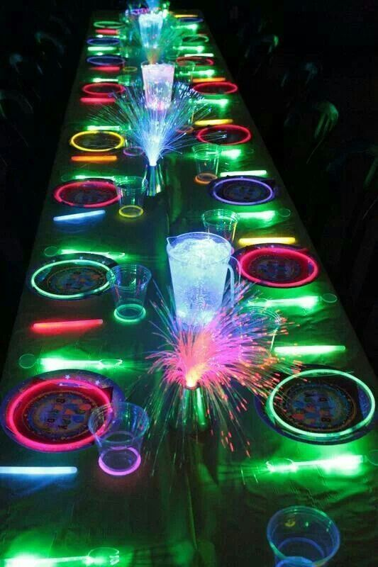 Beautiful Cool Dinner Party Ideas Part - 11: 15+ Glow In The Dark Party Ideas