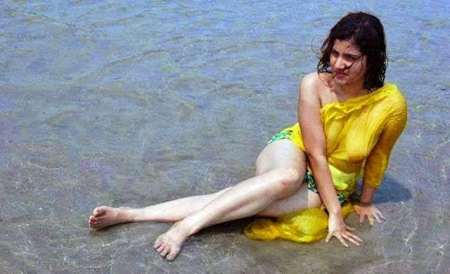 Hot Indian Desi Aunties In Sea Beach Photos  Desi Girls -7779
