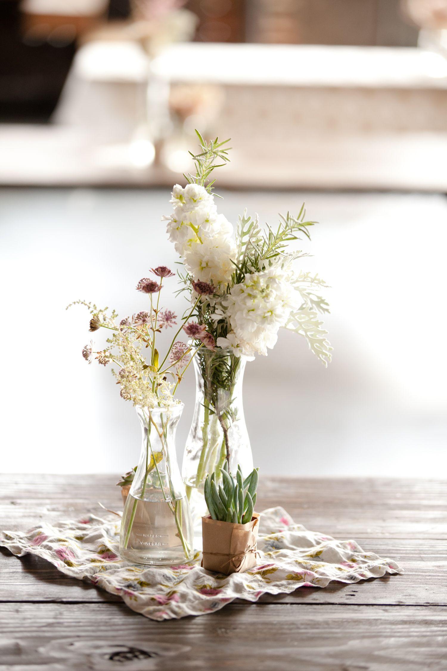 Wedding center piece garden flowers weddingflowersdiytips