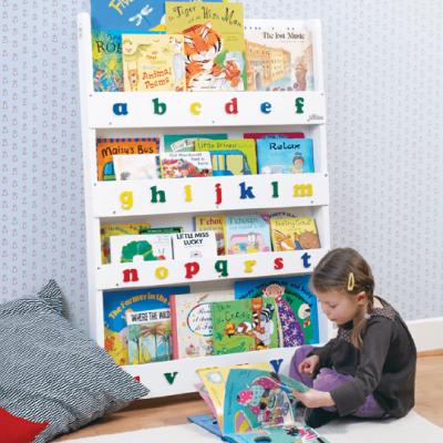 kinderb cher regal mit dem alphabet in wei von tidy books kinderzimmer pinterest kinderzimmer. Black Bedroom Furniture Sets. Home Design Ideas