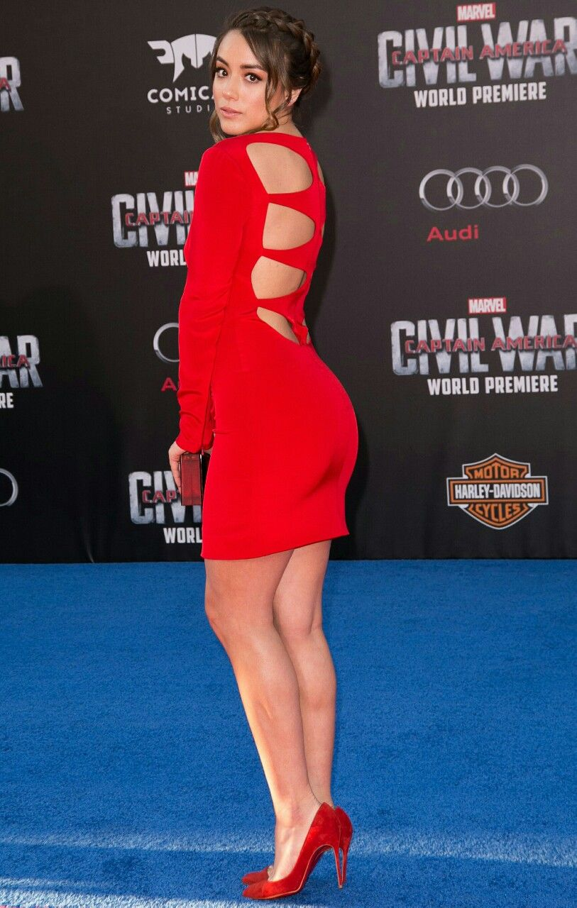 [PICS] Naked Celebrities — Selena Gomez, Miley Cyrus ...