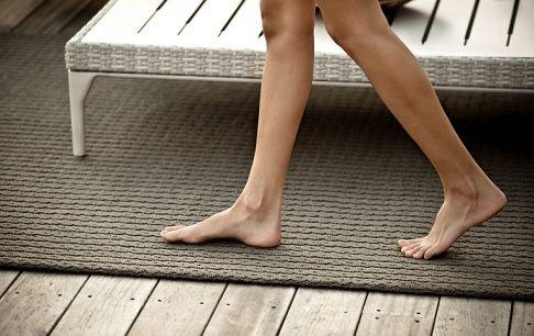 Bodenbelag Für Balkon Und Terrasse - Wpc, Holz Oder Stein | Garten Outdoor Teppiche Garten Balkon