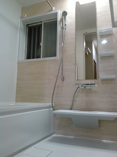 冬に向かって温かいお風呂へのリフォームを Totoサザナ 2020 浴室 Toto お風呂 Toto 洗面台