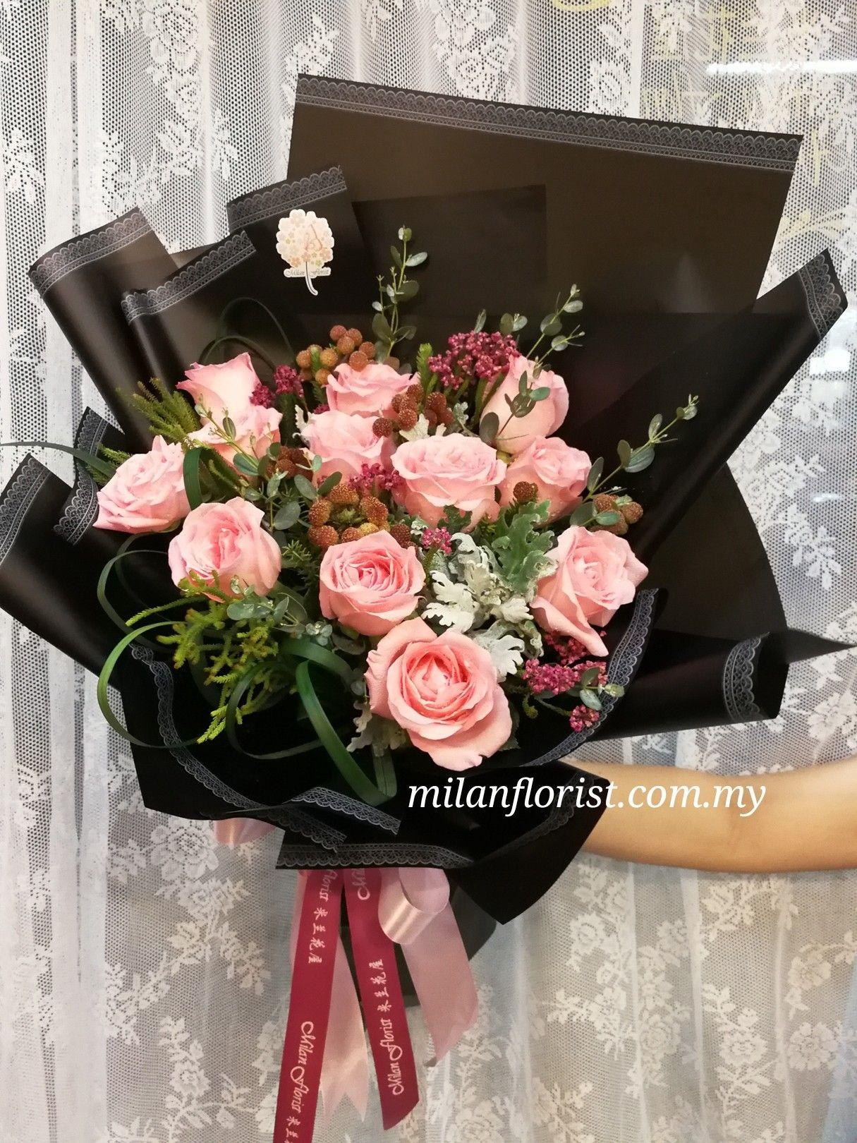 Hand Bouquet Floral Arrangement Flower Arrangements Bouquets Centerpieces Girly Mesas Flower Arrangement Home Decor Floral Arrangements