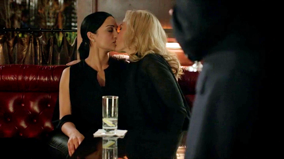 The Fall | Gillian Anderson + lesbians = amazing | Shows ...