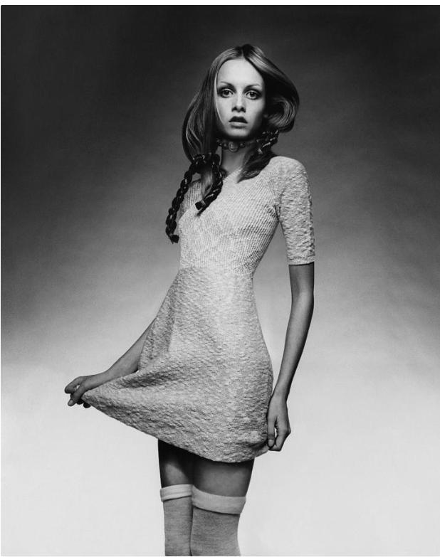 Twiggy In Baby Doll Dress By Justin De Villeneuve In 2021 Twiggy Fashion Twiggy Model 1960s Fashion