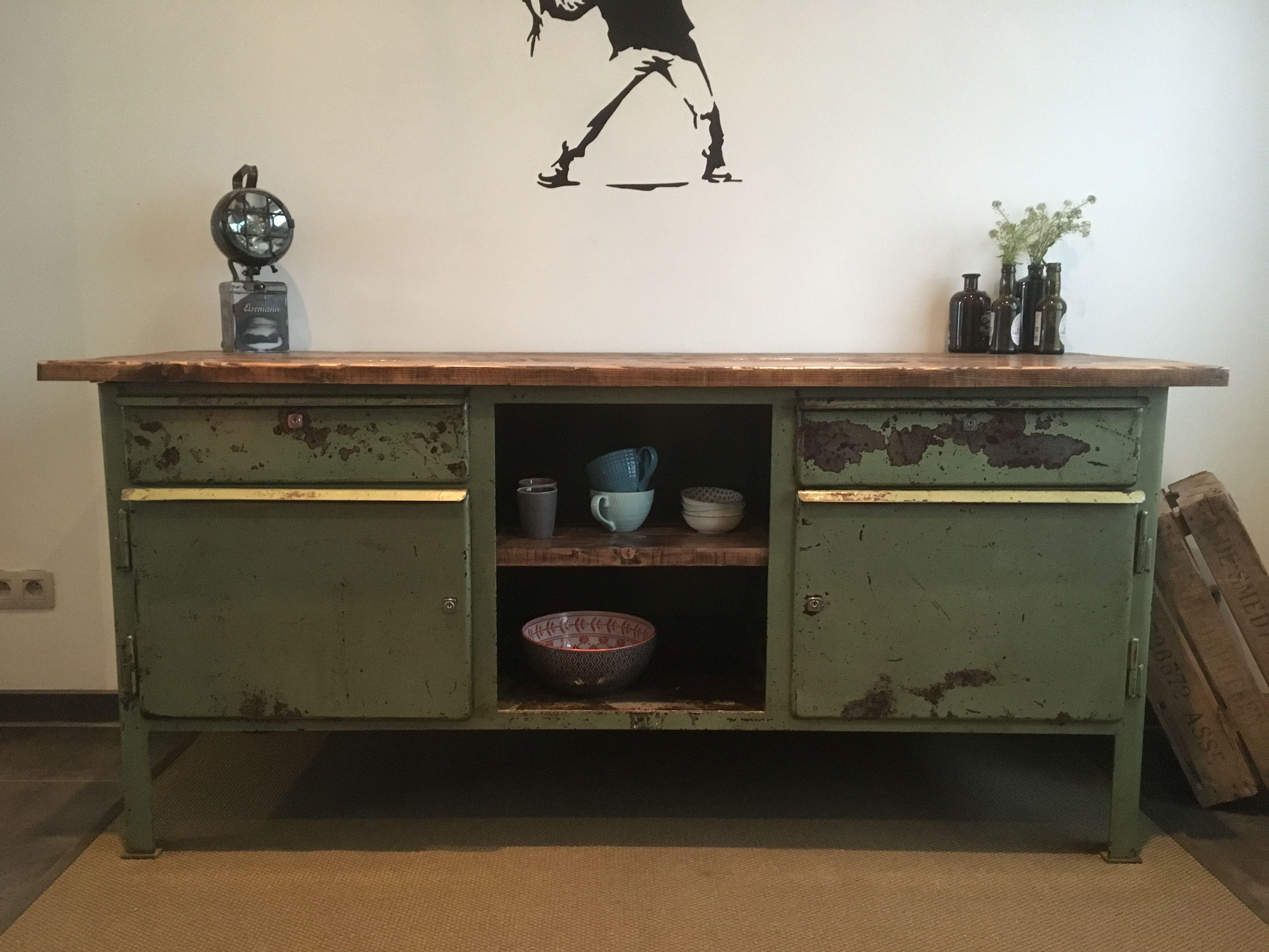 Metalen Kast Leger : Mooie kast gemaakt van een oude metalen werkbank. meubels