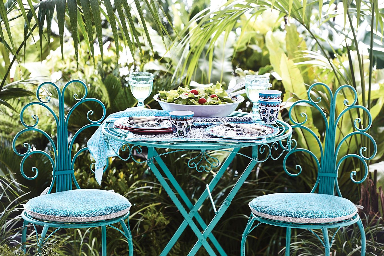 Outdoor Furniture Bed Bath And Table