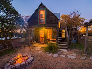Das+Jager+Haus+Small+Secluded+Eclectic+Cabin+on+ · Fredericksburg TexasTexas  ...