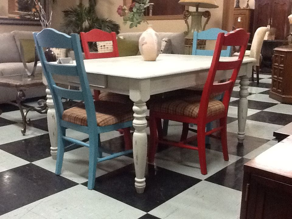 Vintage Dining Set UniQ New And Use Furniture 207 S K ST Tulare CA 93274  (559