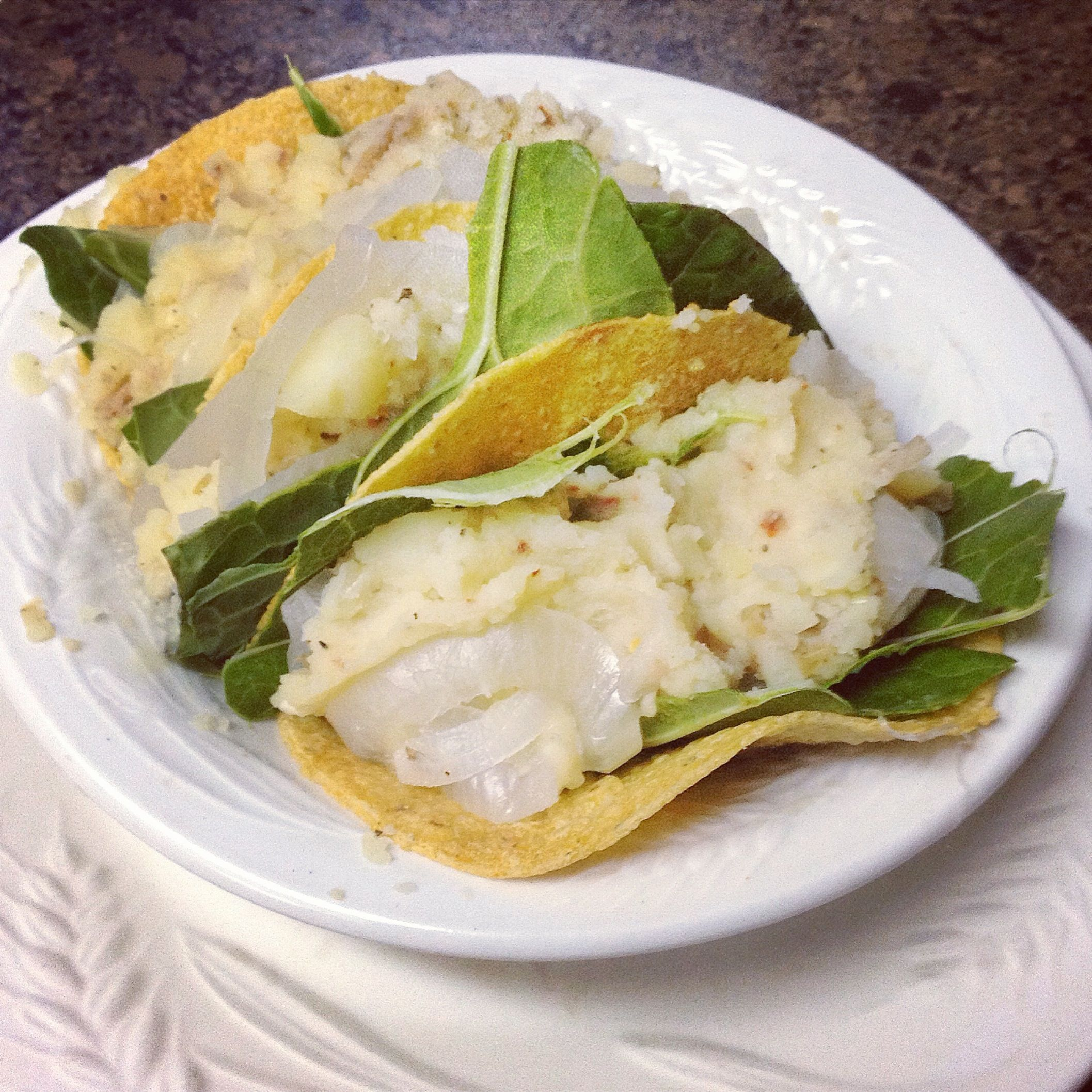 ✨ Herbal Mashed Potato Tacos ✨  3 sprouted, organic corn tortillas (small) 2 organic collard green leaves 3 cloves organic garlic, diced 1/2 tbsp organic, cold pressed olive oil 1/2 tsp organic lavender flowers 2 organic dried bay leaves 1/2 tsp organic chili pepper 1/4 tsp sun dried sea salt 1/2 tsp fresh ground organic black pepper 1/8 cup fresh water  Instructions are in the blog    Check out the blog and new cookbook for free!: Veganbusybee.tumblr.com