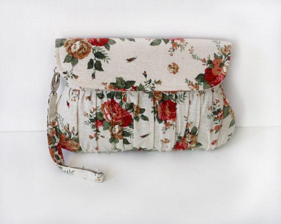 Beige Floral Clutch, shabby chic garden wedding clutch, bridesmaid gift, bridesmaid clutch #oyeta #BridesmaidClutch