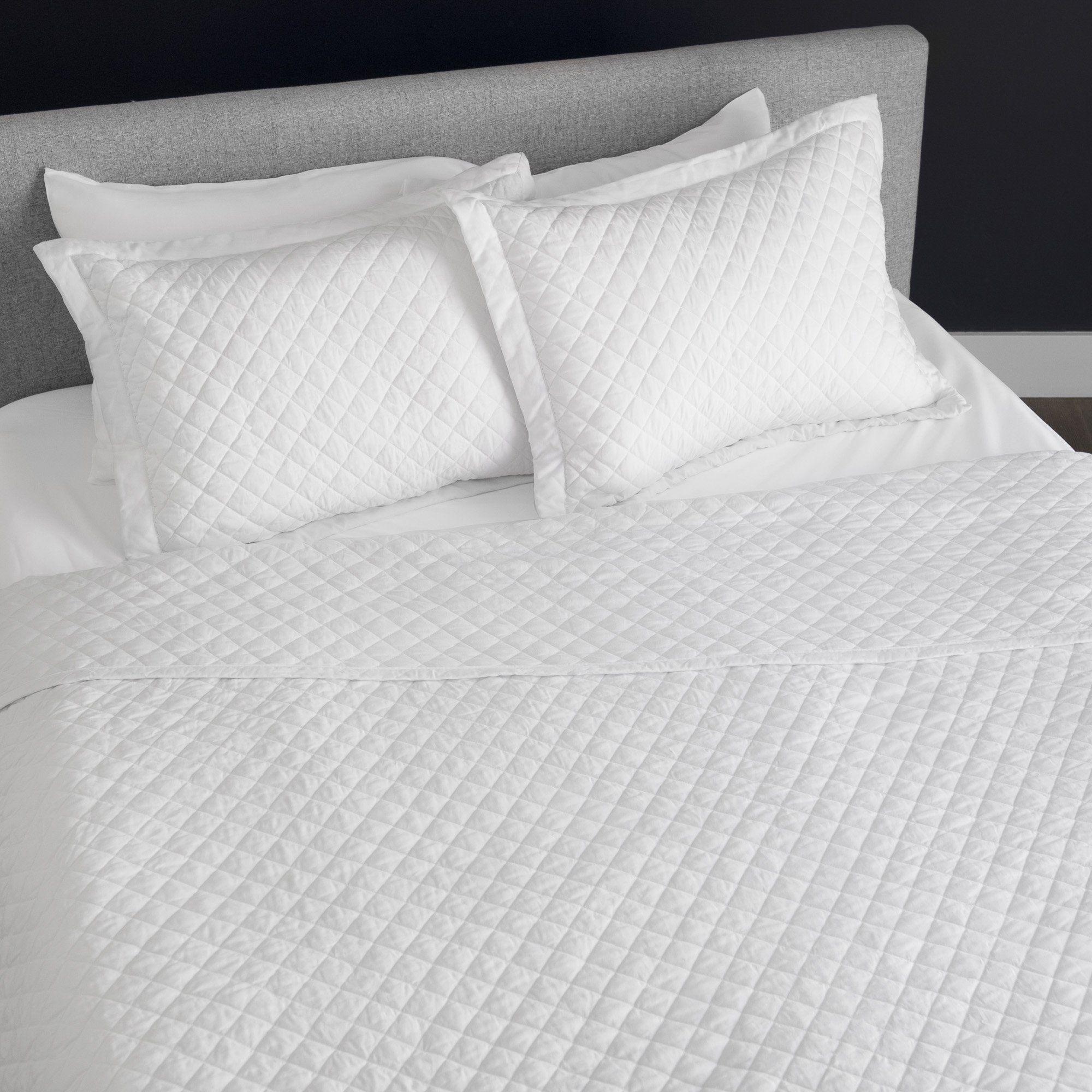 Diamond Blanket/Coverlet Adams homes, King comforter