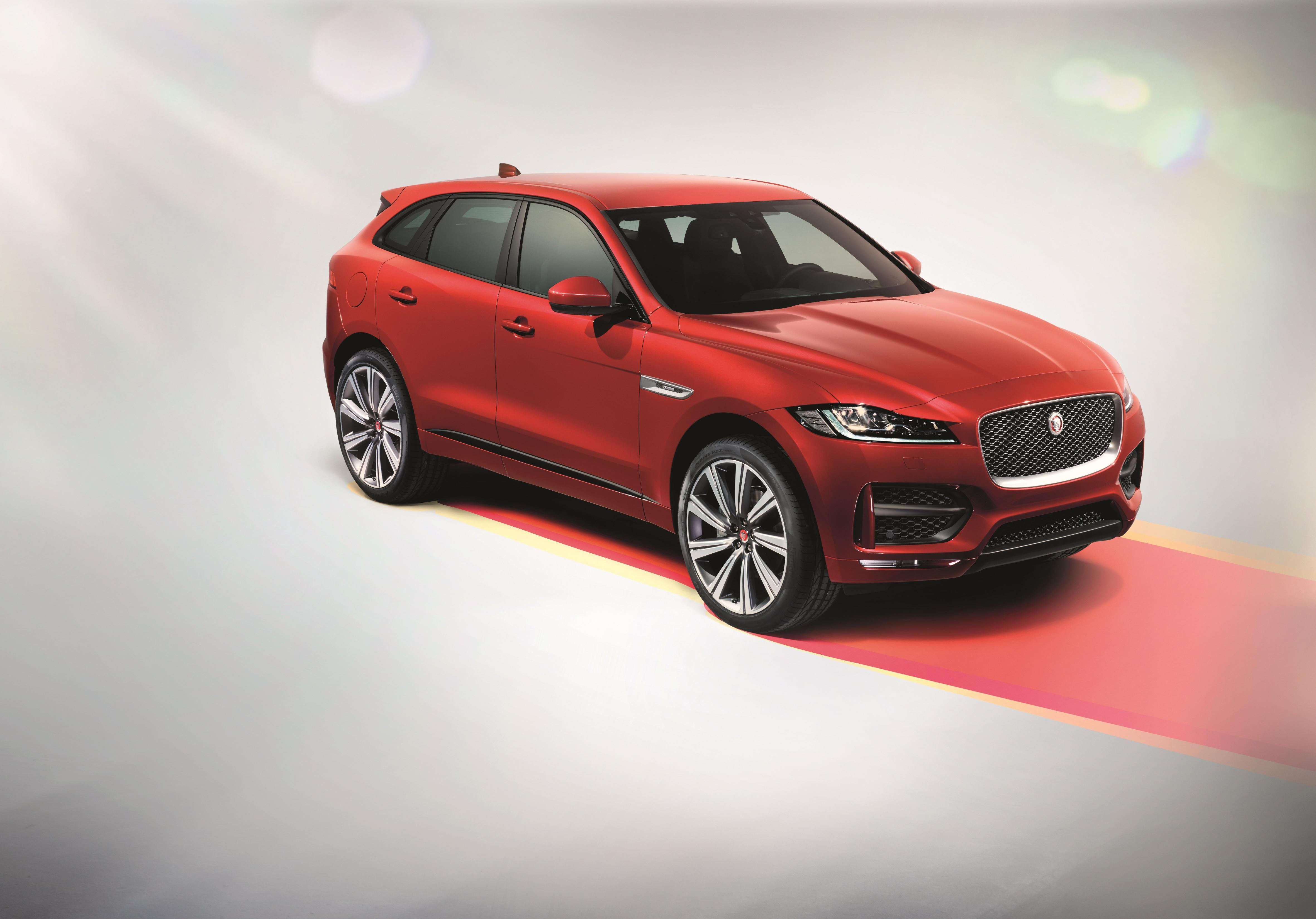 look new at pace f rsport a fpace web jaguar all studio closer the suv