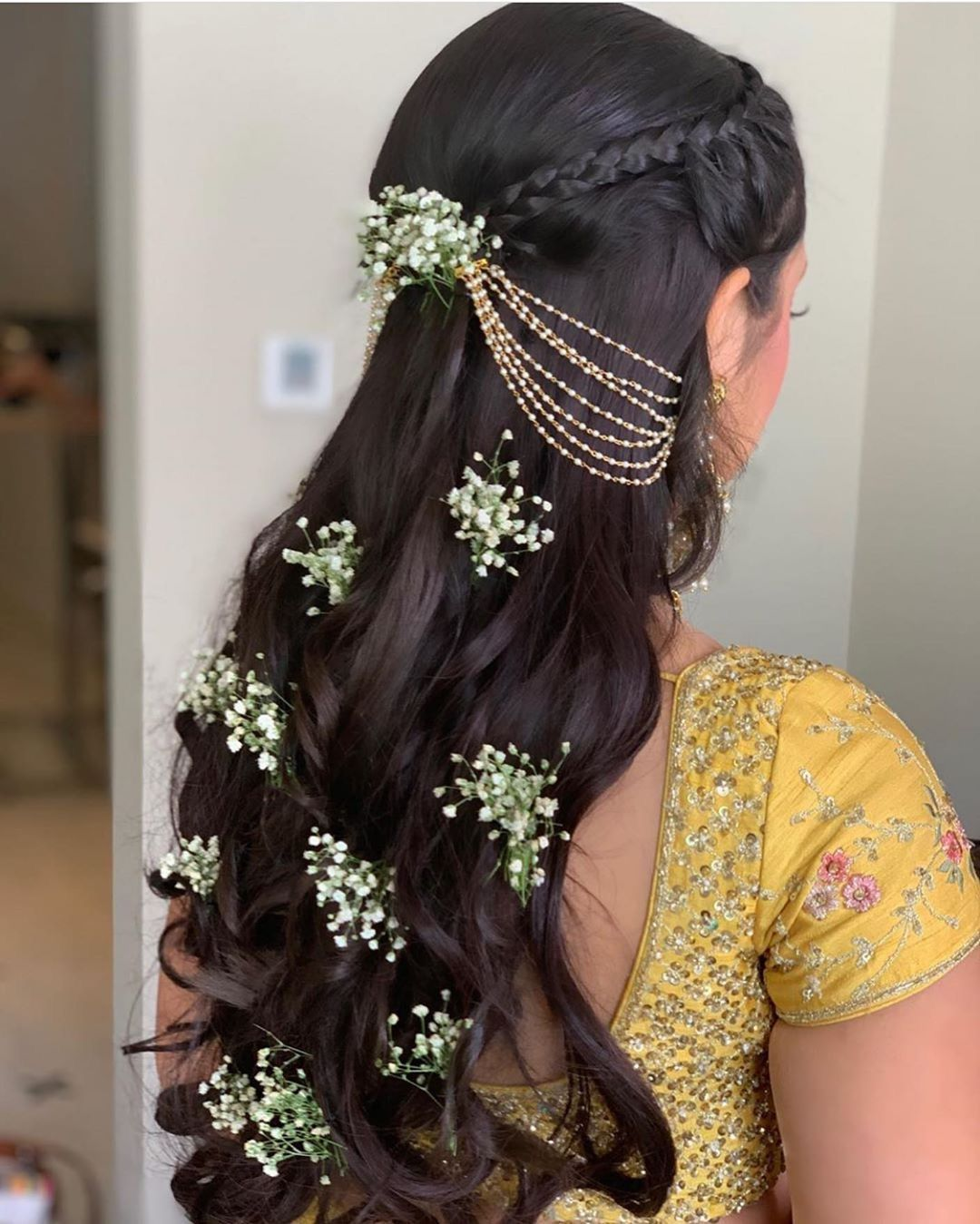 Instagram Alert Fresh Flower Hairstyles Super Pretty Ways To Use Flowers In Your Hair Witty Vows Bride Hairstyles Indian Bride Hairstyle Traditional Hairstyle