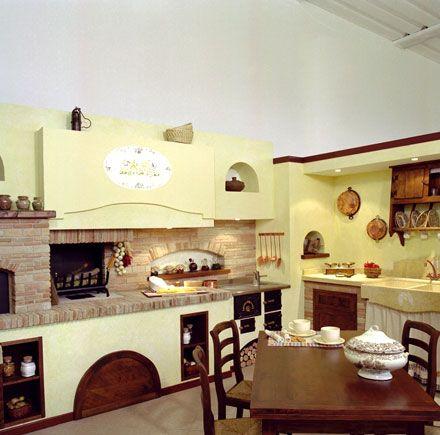 Risultati immagini per cucina rustica con camino | taverna ...