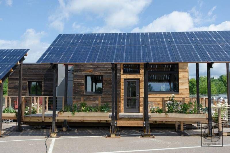 Beautiful Solar Powered Tiny House Is 971sqft Of Energy Efficiency Off Grid World Solar House Small House Bliss Solar Power House