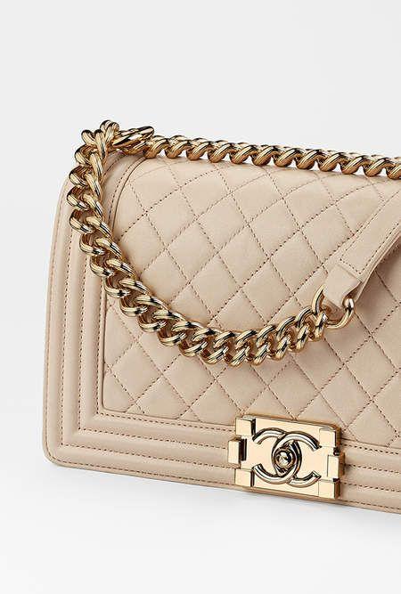 29861b429830 Sac Boy CHANEL, agneau   métal doré-beige - CHANEL RTW pré-collection SS  2017  Chanel  precollection2017  SS17   Visit espritdegabrielle.com -  L héritage de ...