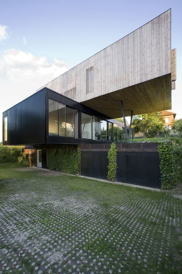 R House In Sevres France By Colboc Franzen Associes