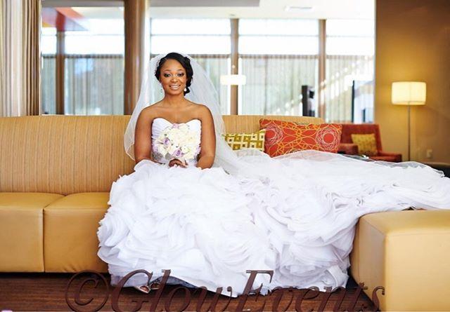 A bride should be two things: Classy and Fabulous!  by @folalawal  #tbt #gloweventswedding #gloweventsbride #eventplanner #weddingplanner #lawedding #glowevents #aisleperfect #bellanaijaweddings #nigerianwedding