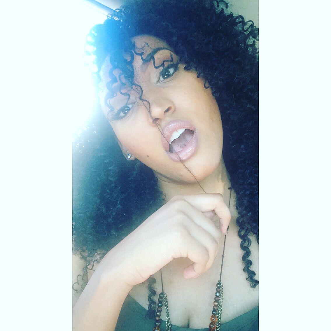 Black girls rock 💁🏽✊🏽 #curlysue | Hairstyles | Pinterest ...