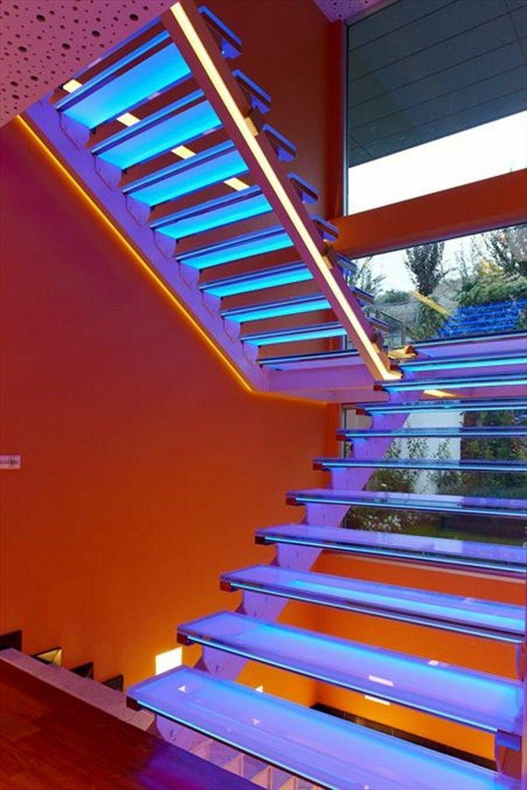 43c36cf3d9feb Escaleras de interior y exterior con iluminación LED   Iluminação ...