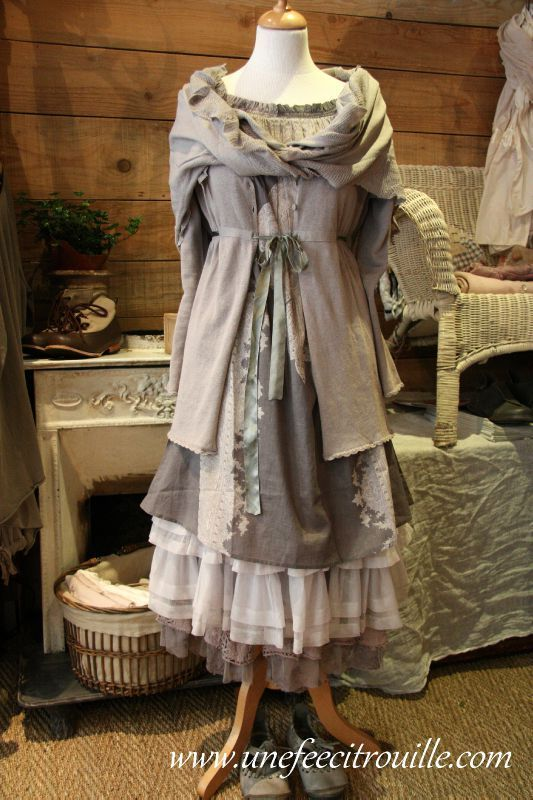 pingl par absilyum sur mori girl pinterest vetement boheme chic robes boh mes et mode robe. Black Bedroom Furniture Sets. Home Design Ideas