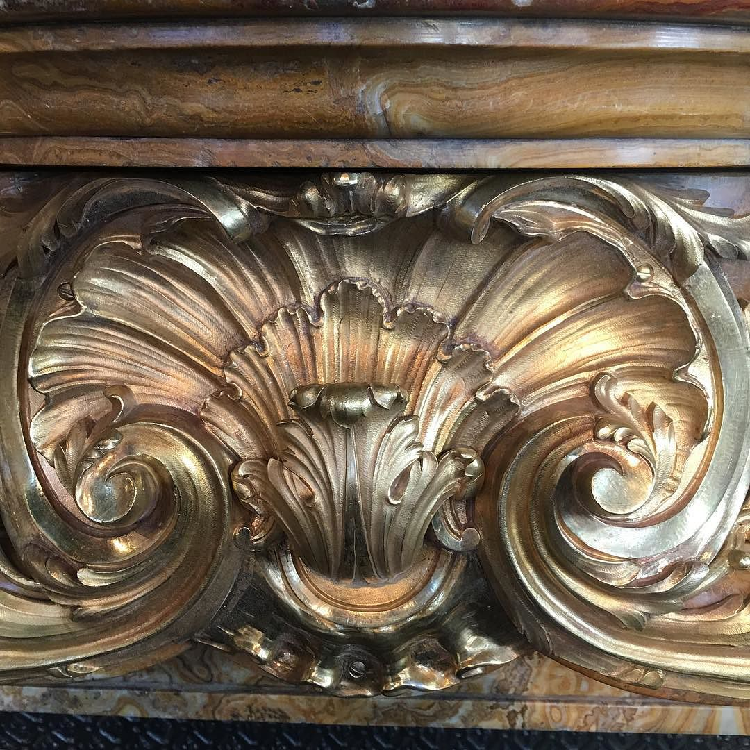 Gilded Bronze Shell Antikvarnye Zerkala Akant Dekor V Stile Barokko