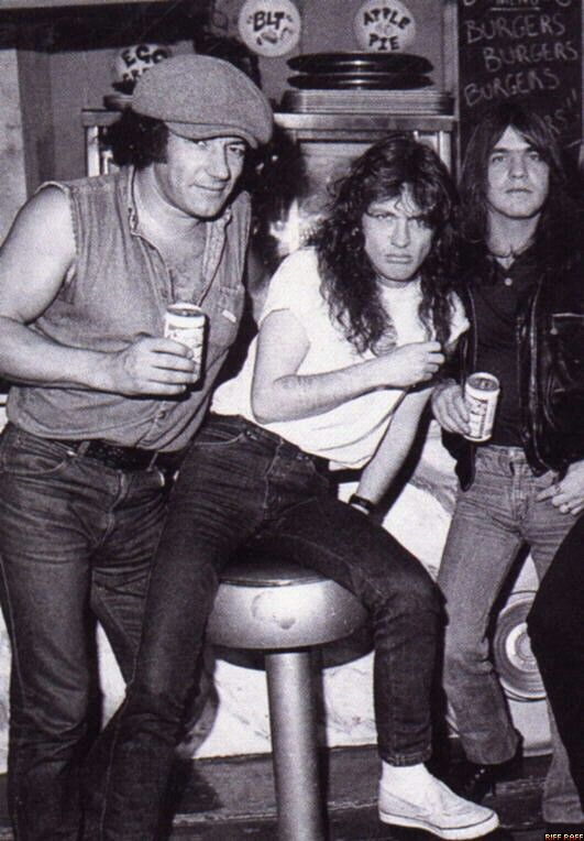 Brian Johnson/Angus Young/Malcolm Young | Acdc angus young, Angus young, Malcolm young