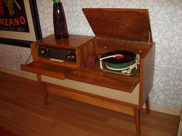 Braun Stereo Console   Mid Century Phonographs and Record