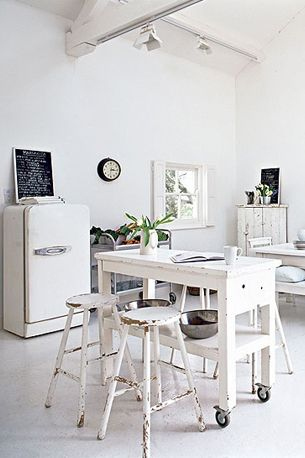 White all white interior wit light licht interieur decoration home house huis white - Deco interieur wit ...