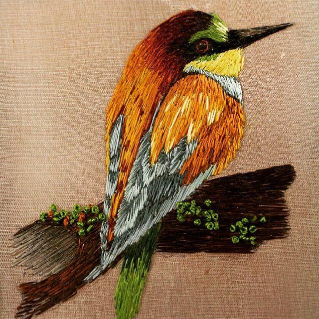 Закончила снимать еще один мастер класс для курса по вышивке г ладью. #гладь #вышивка #вышивкагладью  #мастеркласс #птицы