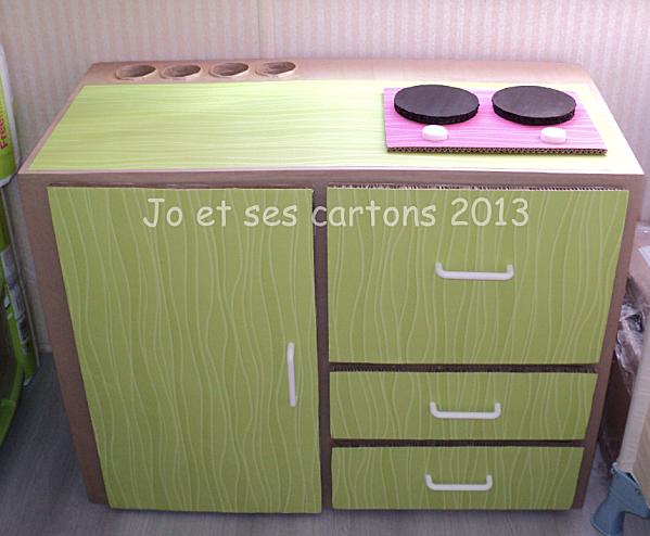 cuisine pour enfant en carton plus de photos sur with cuisine en carton jouet. Black Bedroom Furniture Sets. Home Design Ideas