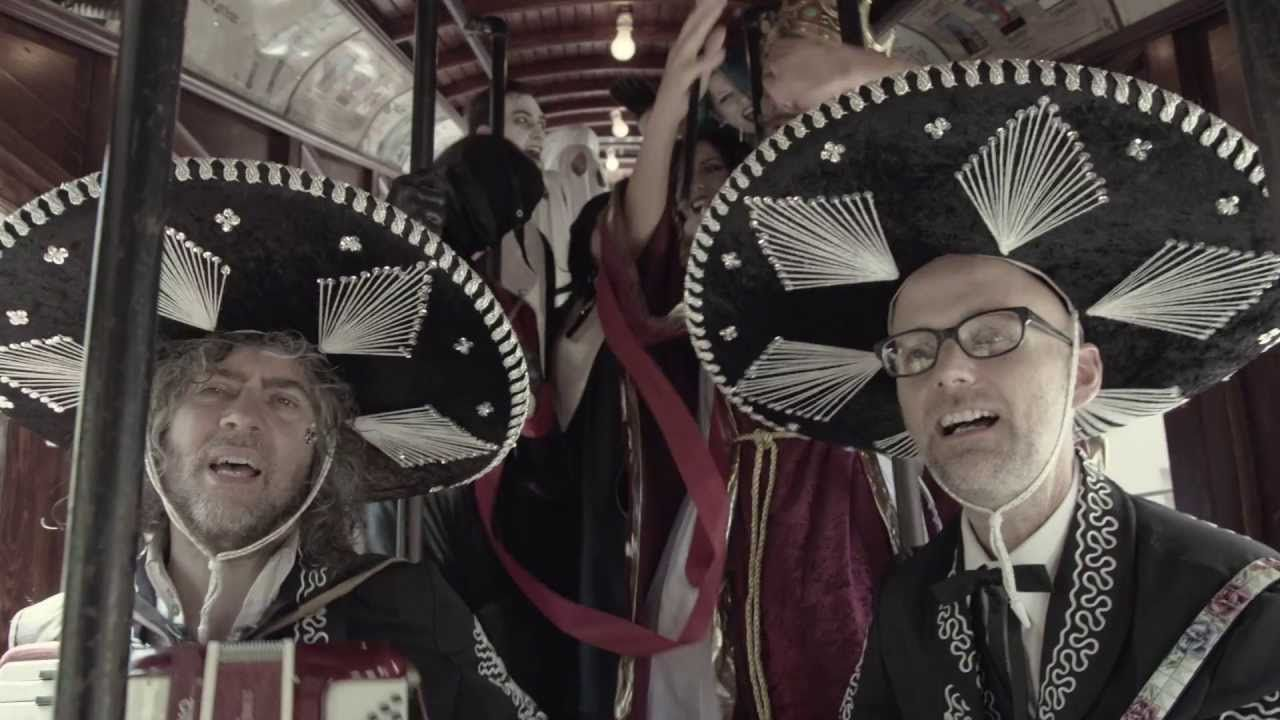 Moby - 'The Perfect Life (with Wayne Coyne)' - official video