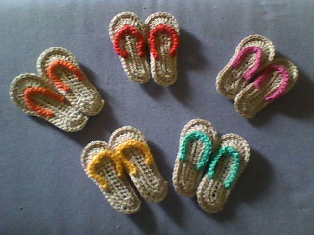 Solo esquemas y diseños de crochet: MINI ZANDALIAS A CROCHET