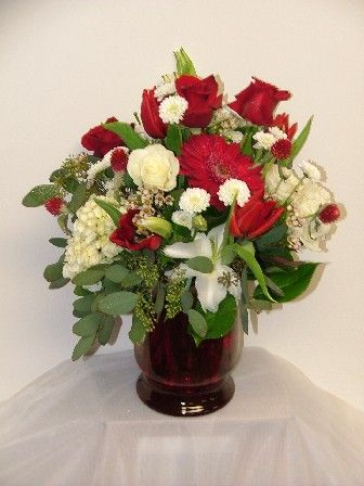 True Colors Springfield Illinois Florist Send Flowers To Chatham And Rochester Wedding Arrangements