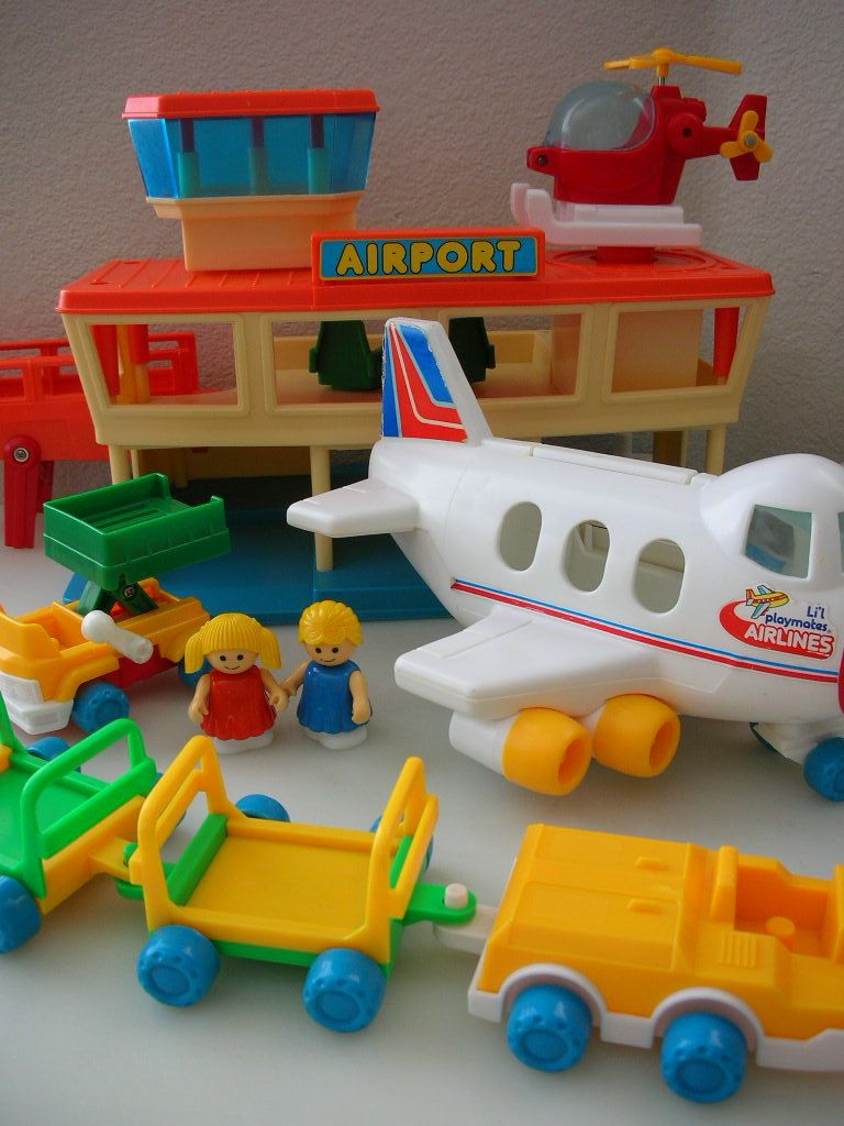 1984 Toys For Girls : Playmates airport set playworld toys terminal
