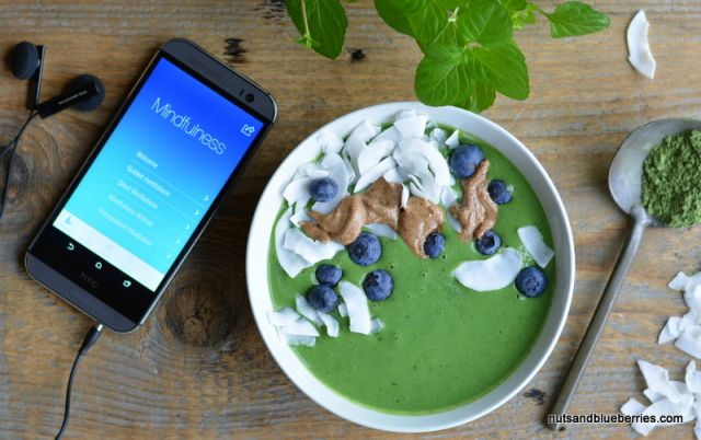 Green Antioxidant Smoothie-Bowl / Grüne Antioxidant Smoothie-Bowl