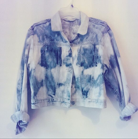 GAP 1969 Cropped Tie dye Denim Jean Jacket Like new denim jacket that'll spice up any outfit. I love denim jackets and sadly I've realized it's time to share mine with the Posh community. GAP Jackets & Coats Jean Jackets