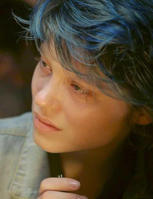 Emma Blue Is The Warmest Color Blue Is The Warmest Colour Blue Hair Lea Seydoux
