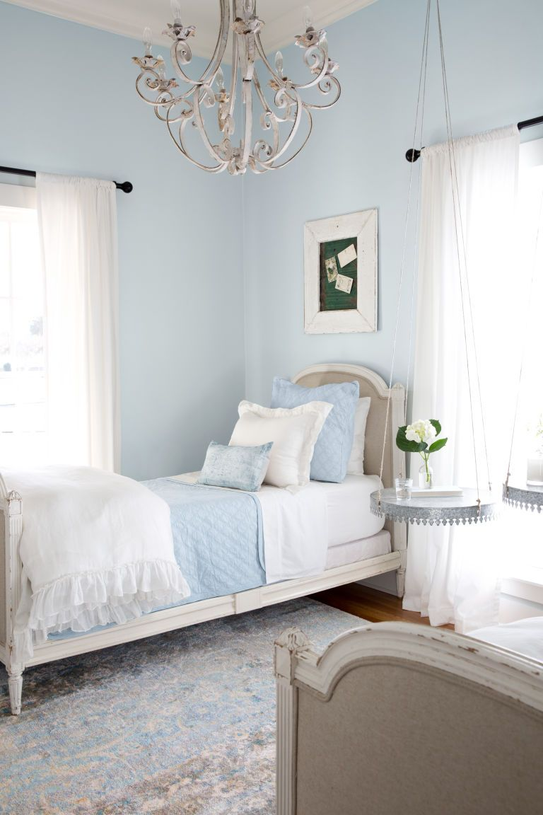 take a tour of chip and joanna gaines 39 magnolia house b b house building farmhouse bedroom. Black Bedroom Furniture Sets. Home Design Ideas