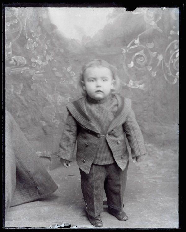 Hugh Mangum photographs - N548. From Duke Digital Collections. Collection: Hugh Mangum Photographs