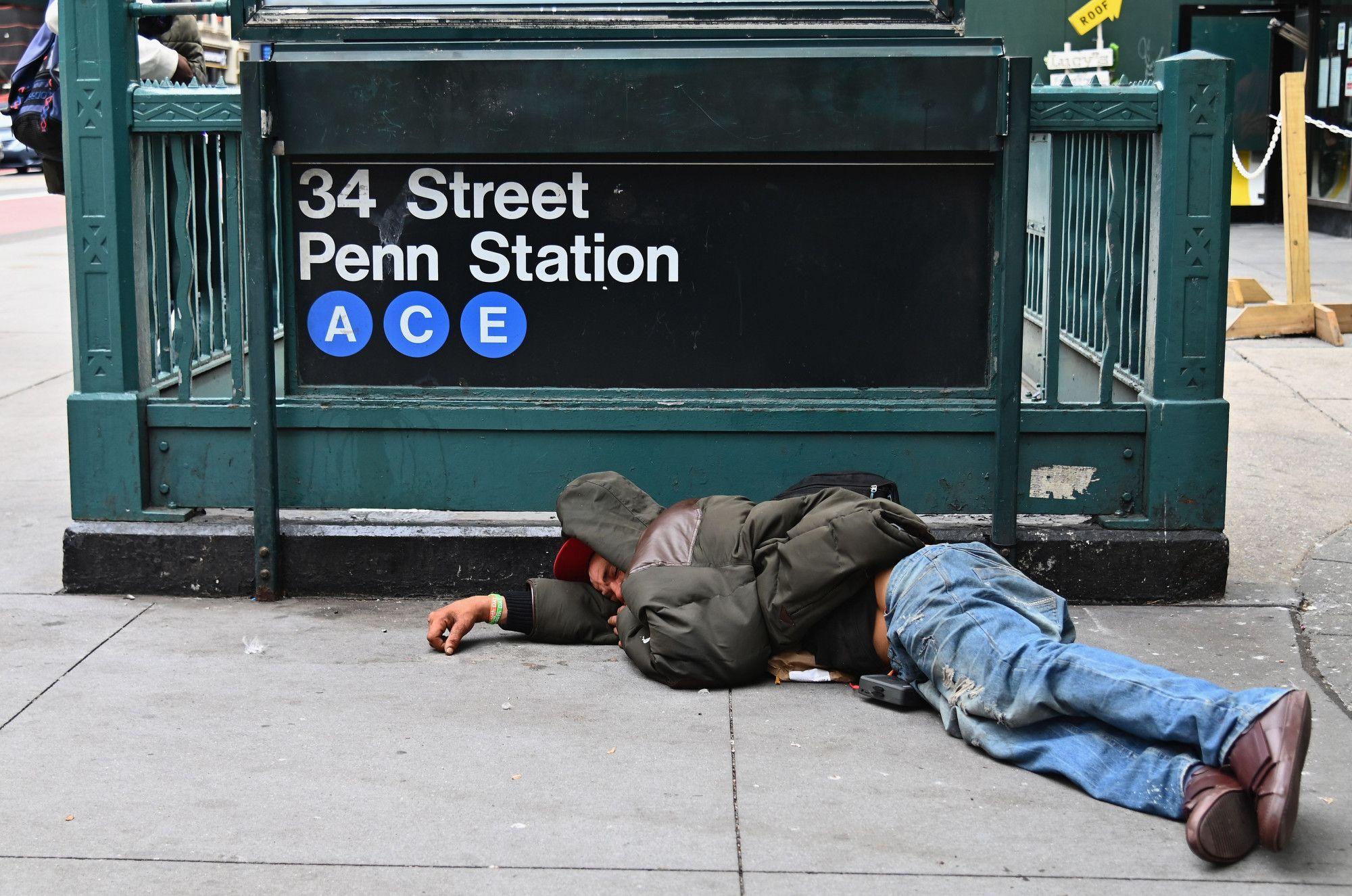 Homeless People Urge New York Mayor To Cancel Move Homeless People New York Homeless