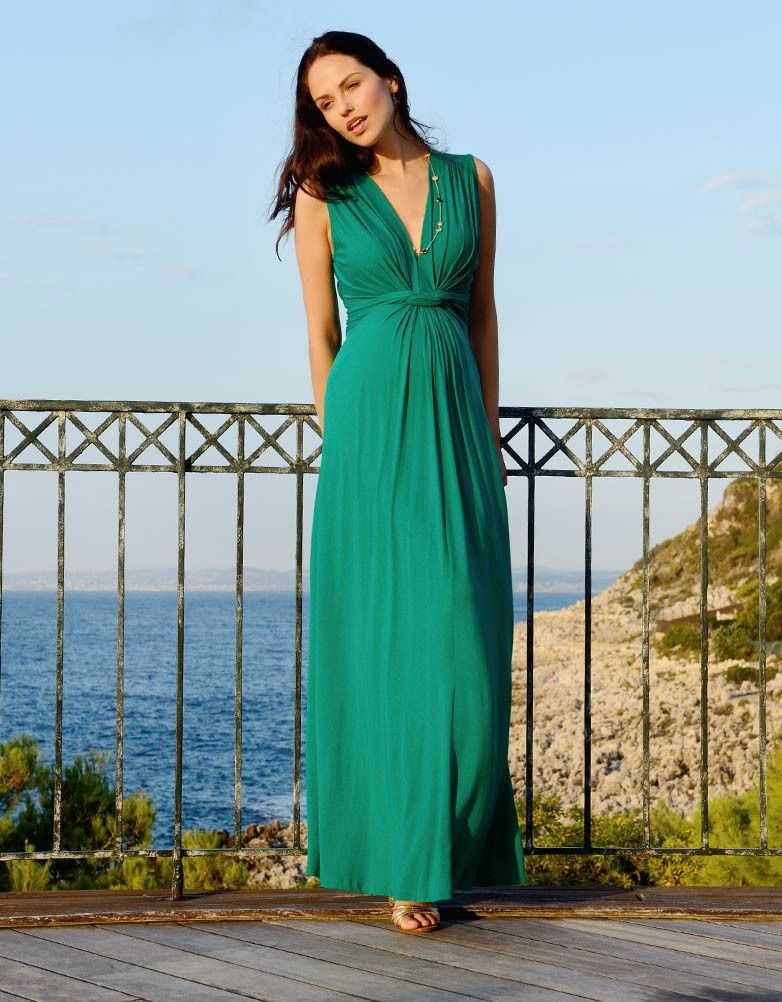 7a8429835bfc2 This stunning maxi emerald knot dress will easily be your favorite summer  piece and a must have for your maternity wear wardrobe. The knot front  gathers and ...
